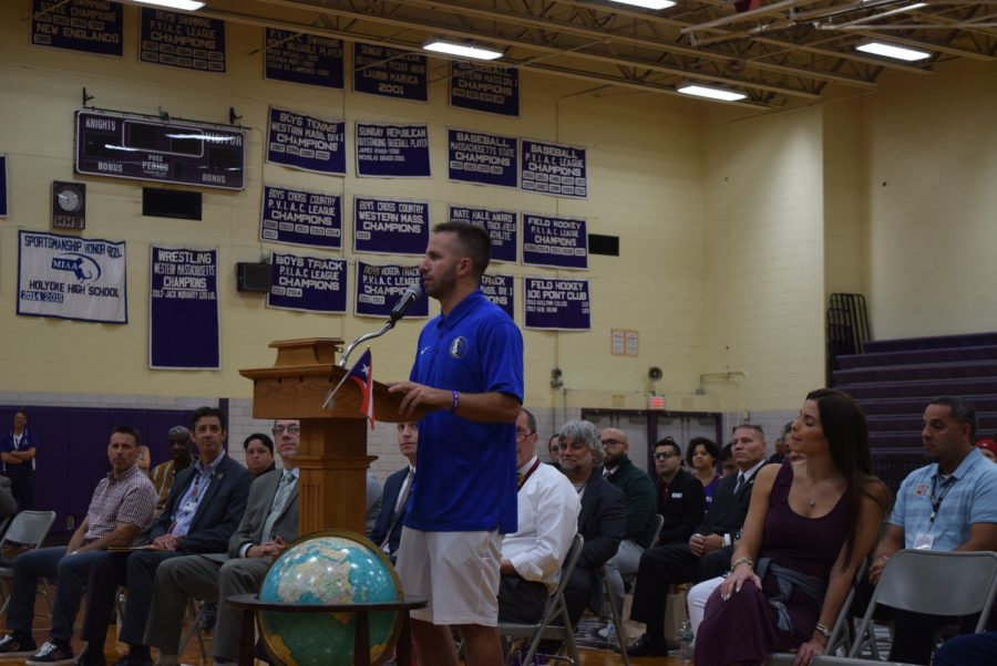J.J.+Barea+speaking+to+Holyoke+High+School+students