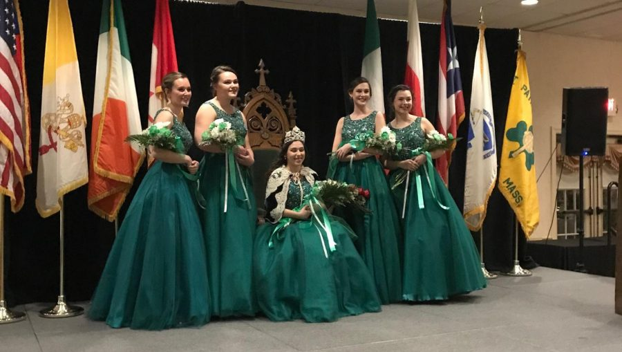Holyoke+Crowns+Lauren+Dulude+as+the+2019+Grand+Colleen%21